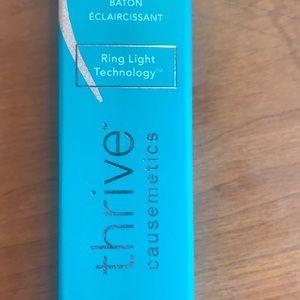 Thrive cosmetics highlight stick